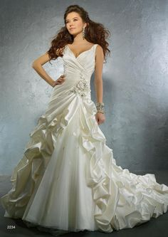 2234 Wedding Dress – Alfred Angelo Autumn 2011 Collection... Beautiful!