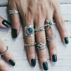 Boho Schmuck :: Ringe, Armband, Halskette, Ohrringe + Flash Tattoos :: For Gypsy . Emerald Jewelry, Boho Jewelry, Silver Jewelry, Jewelry Accessories, Fashion Accessories, Silver Rings, Fashion Jewelry, Jewelry Rings, Cheap Jewelry