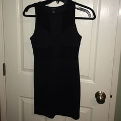 Little Black Dress Perfect for a night out with the girls! This little black dress is a great addition to any closet! Don't like the price? Feel free to make me an offer and I'll happily lower the price :) Forever 21 Dresses