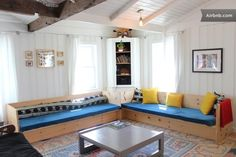 House in Montauk, United States. Also available are a 2 bed/ 1bath cottage and a 2bed/ 1 bath cabin for large parties and events.  OPEN- April 1st to November 30th  MINIMUM STAY-  3 days for April-June, & September- November 7 day for July and August *** exceptions are made for u...