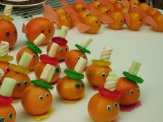 In response to this video I would like to give some reactions: – Super … - Healthy Food Art Birthday Treats, Party Treats, Party Snacks, Cute Food, Good Food, Fruit And Vegetable Storage, Food Carving, Fruit Decorations, Food Humor