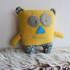 žlutý medvídek Dětská hračka
