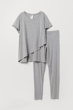Pajamas in soft organic cotton jersey. Top with round neckline and short sleeves. Pants with an elasticized waistband and tapered legs. Top with double upper layer designed to help retain warmth while allowing easier nursing access. Maternity Lounge Wear, Maternity Nursing Pajamas, Maternity Fashion, Breastfeeding Clothes, Nursing Clothes, Nursing Outfits, Nursing Wear, Nursing Tops, Lounge Outfit