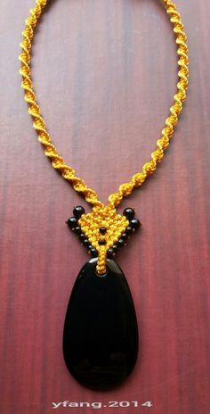 Simple macrame necklace