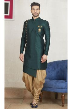 Amp up your ethnic fashion with this green color semi indo kurta from our latest collection, it features with mandrin collar, side open pattern with stylish cut daaman, it comes with matching bottom. Punjabi Kurta Pajama Men, Punjabi Men, Kurta Men, Wedding Kurta For Men, Wedding Dresses Men Indian, Wedding Dress Men, Wedding Men, India Wedding, Wedding Suits