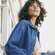 The jacket of the season is here! Made from 100% organic cotton, think soft, sustainable and versatile. The Harper is an oversized, relaxed fit with blouson sleeves - the perfect piece for those days you want to layer up. Organic cotton Pockets Oversized Blouson sleeve Button down front Material: 100% Organic Cotton New Zealand Winter, Organic Cotton, Pockets, Button, Fit, Sleeves, Fashion, Moda, Shape