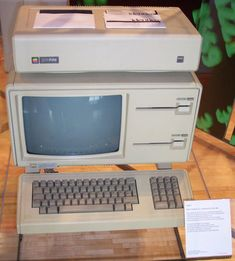 Lisa/Macintosh XL – 1983.