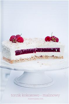 Coconut and Raspberry Mousse Cake