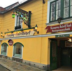 Vienna wineries: Heuriger in Grinzing My Road Trip, Buy Wine Online, Wine Gift Baskets, Wine Deals, Gifts For Wine Lovers, Wine Fridge, Wine Delivery, In Vino Veritas, Vienna Austria