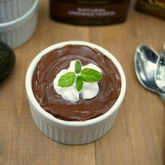 Chocolate Avocado Pudding made with almond milk. It's amazing how the avo thickens everything up in this healthy dessert! #almondmilk #almondbreeze #dessert