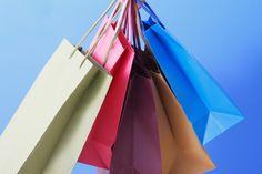 溜まってしまうカワイイ「ショップ紙袋」を使った収納アイデア集   qufour(クフール)