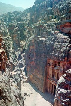 The Nabatean city of Petra, Jordania   Family Vacation Ideas