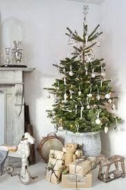 Ideas para decorar tu casa esta Navidad 2017 French Country Christmas, Shabby Chic Christmas, Christmas Decorations, Christmas Tree, Holiday Decor, Christmas Parties, Terror Movies, Victorian Fashion, Ideas Para