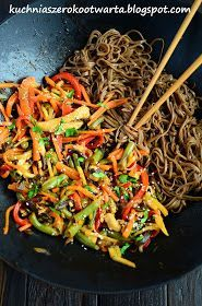 Kuchnia szeroko otwarta: Chińskie z makaronem soba Clean Eating Meal Plan, Clean Eating Recipes, Healthy Eating, Cooking Recipes, Nutrition Meal Plan, Vegetarian Recipes, Healthy Recipes, Spaghetti, Asian Recipes