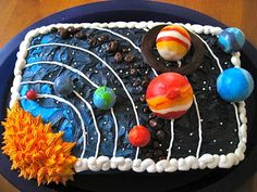 Solar System Cake (c) by thecakecow - weltraum kuchen - Cake-Kuchen-Gateau Science Cake, Science Party, Solar System Cake, Solar System Projects For Kids, Planet Cake, Outer Space Party, Square Cakes, Cakes For Boys, Galaxy