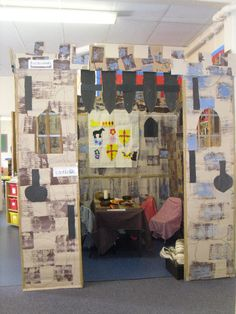 A super Role-Play Castle classroom photo contribution. Great ideas for your classroom! Castle Theme Classroom, Classroom Themes, Castles Ks1, Knights And Castles Topic, Middle Ages History, Fairy Tale Theme, Fairy Tales, Castle Project, Play Corner