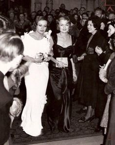 Joan Crawford with Constance Bennett, 1932 Hollywood Cinema, Old Hollywood Movies, Old Hollywood Glamour, Hollywood Fashion, Golden Age Of Hollywood, Vintage Hollywood, Hollywood Stars, Hollywood Actresses, Classic Hollywood