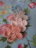 how to crochet a forget me not flower