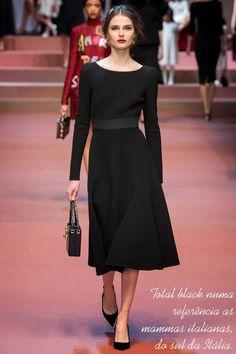 Dolce & Gabbana - Inverno 2015 - Ready-to-Wear  Tecido: crepe. Cinto, não sei, mas necessário. Liiindo!!