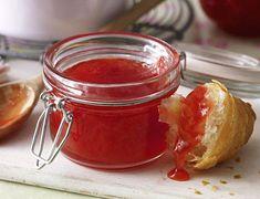 Rhabarbermarmelade kochen – so geht's Jelly Recipes, Jam Recipes, Canning Recipes, Drink Recipes, Ketchup, Chutney, Mayonnaise, Swiss Recipes, German Recipes