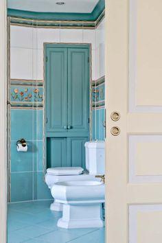 Keltainen talo rannalla: Väriä seinillä ja yksityiskohdissa Toilet, Bathroom, Decor, Washroom, Flush Toilet, Decoration, Full Bath, Toilets, Bath