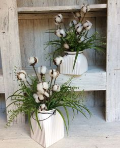 Cotton Floral Arrangement-This ceramic jar is filled with rustic cotton and curly grasses. Just the right combination to complement your Fixer upper decor. This rustic floral arrangement is just right to add to a bath room or any side table in the house. Country Farmhouse Decor, Rustic Decor, Vintage Decor, Modern Farmhouse, 1950s Decor, Primitive Decor, Vintage Farmhouse, Vase Deco, Farmhouse Table Centerpieces
