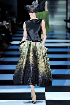 Armani Privé Spring 2012 Couture Fashion Show - Michaela Kocianova (Elite) Haute Couture Paris, Couture Fashion, Runway Fashion, Womens Fashion, Spring Couture, Fashion Week, High Fashion, Fashion Show, Fashion Design