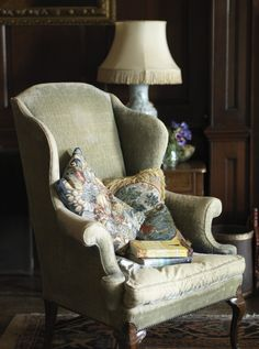 Sweet Home, English Decor, English House, English Cottages, Wing Chair, Take A Seat, Beautiful Interiors, Country Decor, Decoration