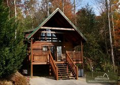 Beary Cozy - This is a very romantic cabin perfect for a couple wanting to escape away to the Smokies for a vacation!