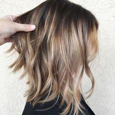 Choppy Haircuts, Thin Hair Haircuts, Cool Haircuts, Caramel Balayage Bob, Bronde Balayage, Balayage Highlights, Thin Hair Styles For Women, Medium Hair Styles, Short Hair Styles