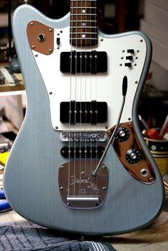 Deimel Firestar »satin silver grey/blue« www.deimelguitarworks.de