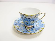 VINTAGE SHELLEY ENGLAND BONE CHINA CUP AND SAUCER SET BLUE WITH DAISY CHINTZ FLO #Shelley