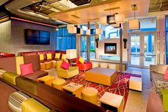 Aloft Mount Laurel re:mix (SM) lounge