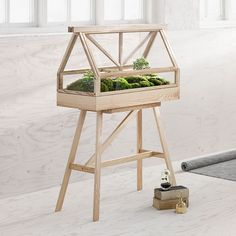 """Gartendekoration, """"Gestell für Gewächshaus Greenhouse"""", Design House Stockholm: Stellen Sie die Natur auf ein Podest und geben Sie Pflanzen den Raum, den sie verdienen: Mit dem passenden Gestell zum Gewächshaus Greenhouse kommen Ihre Minitaturlandschafen erst richtig zur Geltung."""