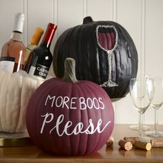 Wine and Crafts Pumpkin Decorations 3 Ways - Easy DIY Halloween Decorations . - Wine and crafts pumpkin decorations 3 ways – easy DIY Halloween decorations – ma … – Moore: - Buffet Halloween, Halloween Table Decorations, Fete Halloween, Holidays Halloween, Halloween Crafts, Happy Halloween, Autumn Decorations, Halloween Halloween, Dyi Fall Decor