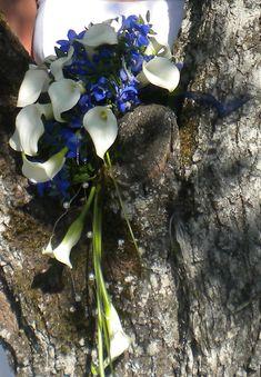 Schöner Brautstrauß, Thema Calla und blau www.trau-dich.at Hochzeitsplaner