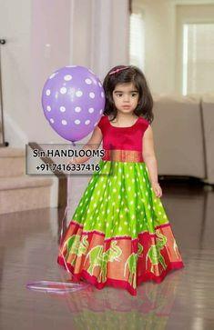 ideas for baby girl dresses for wedding indian Kids Dress Wear, Kids Gown, Dresses Kids Girl, Baby Dresses, Kids Wear, Kids Indian Wear, Kids Ethnic Wear, Baby Lehenga, Kids Lehenga