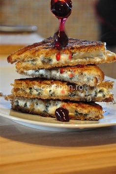 Toast with Gorgonzola and sour-cherry jam