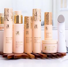 The very best products for your very best, glowy & gorgeous skin. RE9 Advanced with the revolutionary Genius Ultra. Look no further for your new bff's... these products have you covered. www.nataliescott.arbonne.com