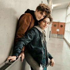Elliot and Lucas Skam France # Skam Tumblr Gay, Gay Aesthetic, Couple Aesthetic, Lgbt Couples, Cute Gay Couples, Skam Isak, Parejas Goals Tumblr, Isak & Even, Maxence Danet Fauvel
