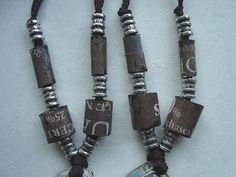 Tube beads from Newspaper. Paper Beads Tutorial, Make Paper Beads, Paper Bead Jewelry, Paper Earrings, Fabric Jewelry, How To Make Beads, Jewelry Tools, Diy Jewelry, Beaded Jewelry