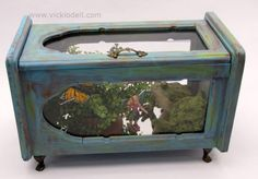 Old thrift store jewelry box made into a miniature garden!! ... how bout a teranium ?