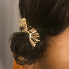 Irregular Hair Clip ♥♥ Detail -Package: -Material:Metal ♥♥Feature This hair clip is simple yet elegant, using the geometric principles of mathematics. If you like Hair Clip,you can visit my Wavy Bob Hairstyles, Asymmetrical Hairstyles, Elegant Hairstyles, Easy Hairstyles, Bangs Hairstyle, Asymmetric Hair, Gold Hair Clips, Metal Hair Clips, Hair Wigs For Men