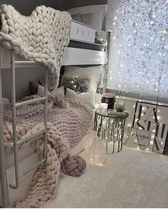 45 awesome college bedroom decor ideas and remodel 9 College Dorm Rooms Awesome Bedroom college DECOR Ideas remodel Dorm Design, Dorm Room Designs, Design Design, Time Design, Design Ideas, College Bedroom Decor, College Dorm Rooms, College Closet, College Apartments