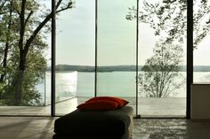 Sky-Frame for an excellent view, Atelier Lüps 86938 Schondorf am Ammersee www.lueps.comVilla at Ammersee, Sky-Frame Fenster