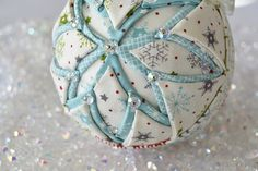 """how to make a quilted """"Snow Globe"""" ornament, DIY and Crafts, Quilted ornaments & Christmas crafts to make by The Ornament Girl. Folded Fabric Ornaments, Quilted Christmas Ornaments, Christmas Ornaments To Make, Handmade Christmas, Christmas Diy, Christmas Decorations, Christmas Patchwork, Christmas Favors, Christmas Quilting"""