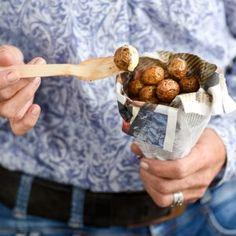 Gefrituurde Cherry Potatoes met dipsaus Blueberry, Cherry, Potatoes, Fruit, Food, Berry, Potato, Essen, Meals