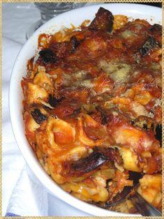 "Orecchiette de ""Santu Ronzu"" - (Orecchiette with eggplant, typical of Lecce, Apulia) Pasta Bake, Italian Dishes, Paella, Eggplant, Sweet Home, Pork, Meat, Cooking, Ethnic Recipes"