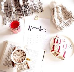love the idea of calendar #flatlay #flatlays #flatlayapp www.flat-lay.com