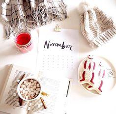 love the idea of calendar #flatlay #flatlays #flatlayapp   www.flat-lay.com